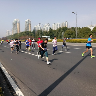 2018 第九届苏州环金鸡湖国际半程马拉松
